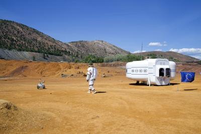 Faltbares Simulationshabitat SHEE als Teil der Marssimulation zur Erforschung der Kooperation zwischen Astronaut und Rover in Rio Tinto, Spanien, 2016